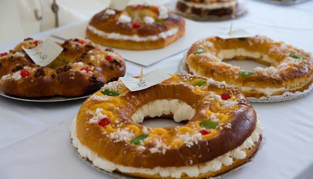 Imagen de varios roscos de Navidad, preparados para su venta.