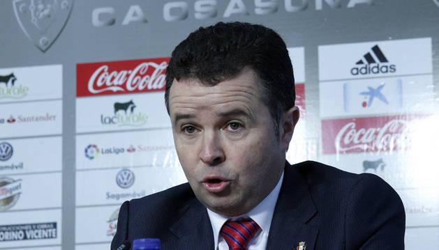 Ramírez durante la rueda de prensa de presentación de Fran Canal como director general de Osasuna