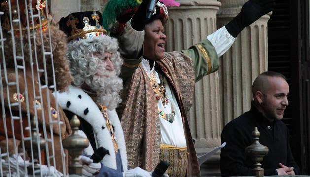 Los Reyes Magos han entrado a Pamplona por el Puente de la Magdalena