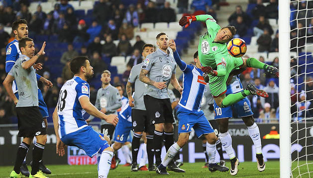 El Espanyol no culminó la remontada contra un Dépor con diez (1-1)