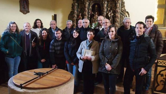 Mayores entrevistados, representantes del Ayuntamiento de Lónguida y trabajadores de Karekin.