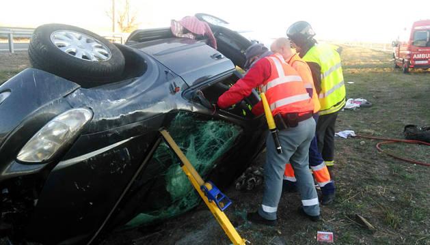 Heridos tres miembros de la misma familia en un accidente en Cascante