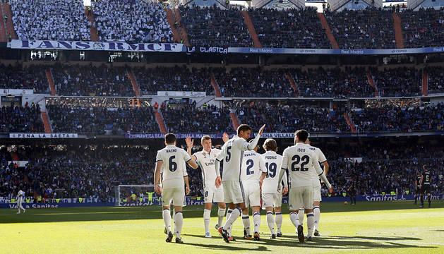 El Real Madrid prolonga su estado dulce con una goleada al Granada (5-0)