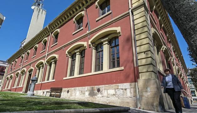 Imagen exterior del Ayuntamiento de Estella.
