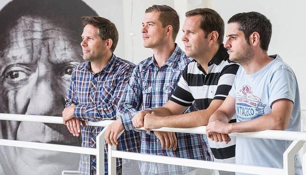 Javier San Agustín López, ingeniero de Telecomunicaciones por la UPNA, es el primero por la derecha.