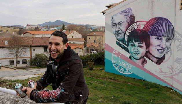 Cada uno de los murales tiene rostros de vecinos reales de cada pueblo para simbolizar su unión