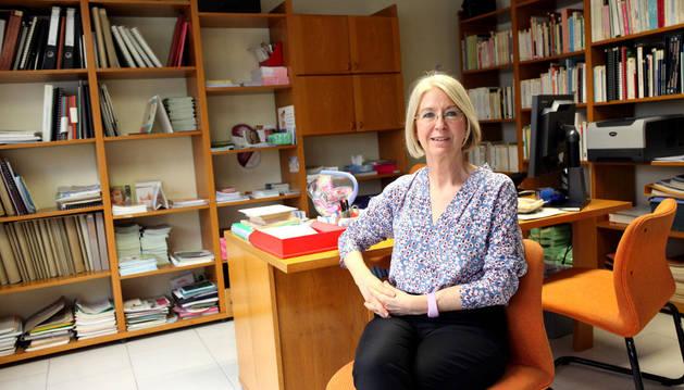 Mari Luz Marchite en su despacho del Centro de Atención a la Mujer de Tudela.