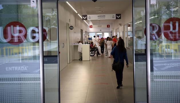 Imagen del acceso al servicio de Urgencias del Complejo Hospitalario de Navarra.