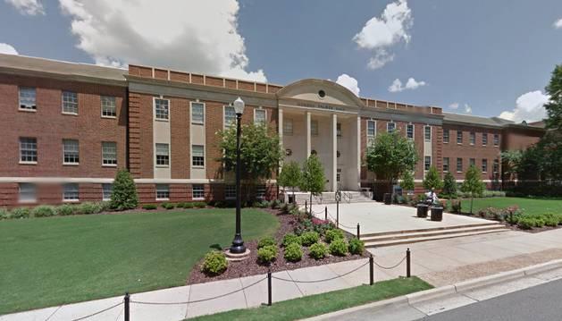 Un edificio del campus de la Universidad de Alabama en la ciudad de Tuscaloosa (EE UU).