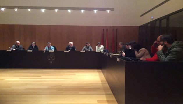 Imagen de una sesión plenaria anterior en el Ayuntamiento del Valle de Egüés.