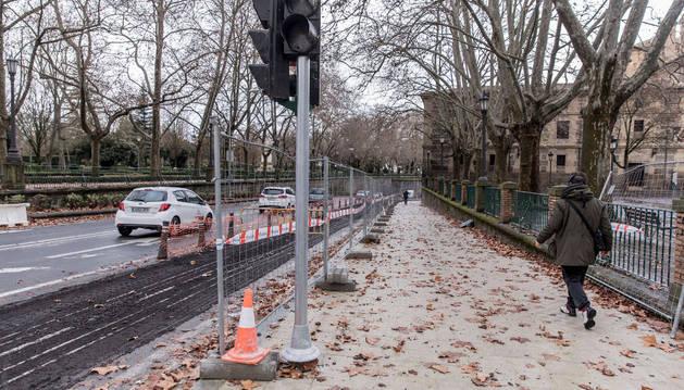 A la altura de la plaza de Recoletas la acera de la calle Taconera es donde más anchura ha ganado.