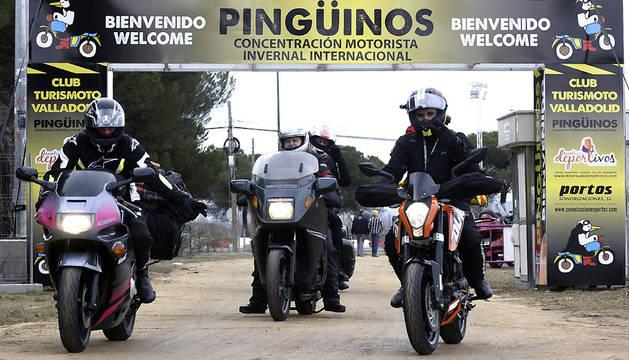 Algunos de los moteros que han llegado a Valladolid para participar en la 34ª concentración Pingüinos.