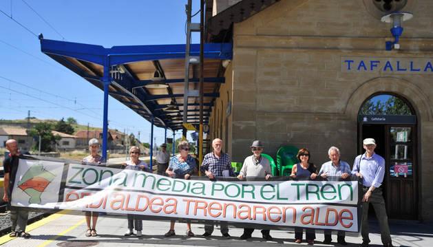Plataforma por la defensa del Tren en Tafalla en la estación de Renfe de Tafalla en una imagen de archivo.