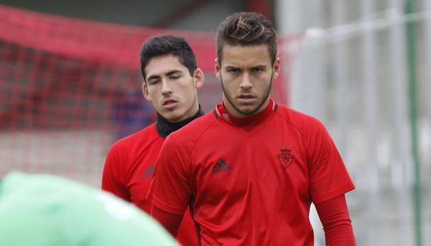 Álvaro Fernández durante un entrenamiento con el primer equipo