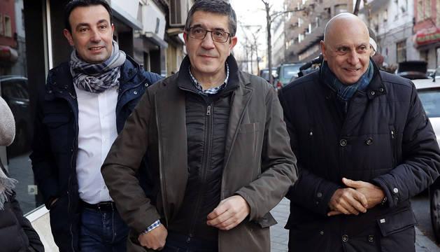 Patxi López, a su llegada a la sede de la calle Ferraz para aistir a la reunión del Comité Federal del PSOE.