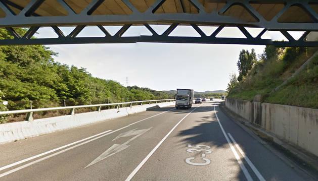 Imagen del punto kilométrico 69 de la C-35, donde ha tenido lugar el accidente.