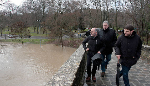 Pamplona eleva el nivel de alerta a Emergencia 1 ante el riesgo de avenida del río Arga
