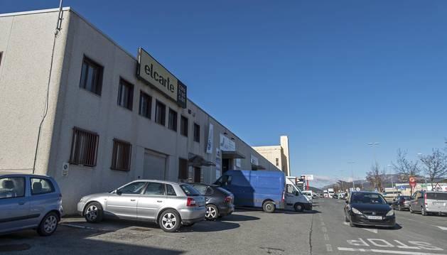 Sede de la empresa Elcarte en Estella, cerrada desde hace meses y ubicada en Merkatondoa.