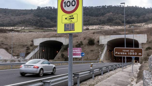 Indicador de velocidad instalado en el túnel del Perdón.