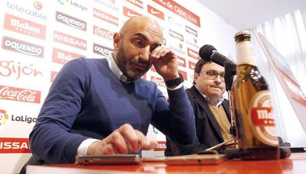 Rubí sustituye a Abelardo en el banquillo del Sporting