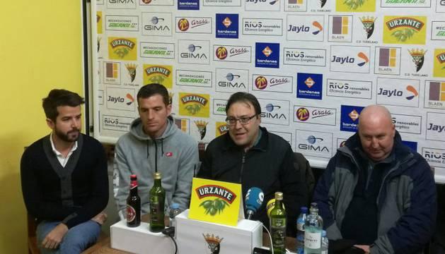 Presentacion del nuevo entrenador del Tudelano  John Clarkson en el Ciudad de Tudela.