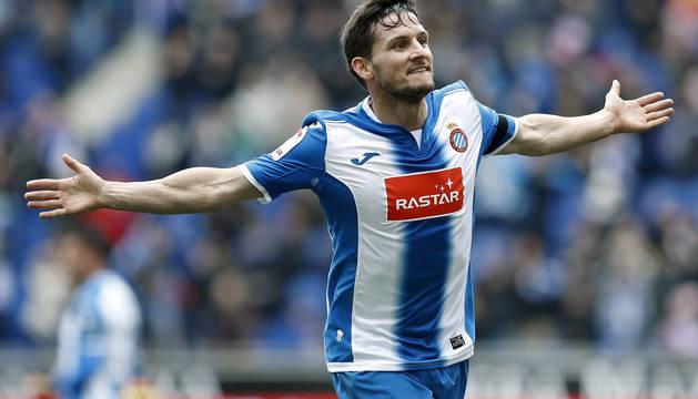 Pablo Piatti, celebra el gol conseguido frente al Granada