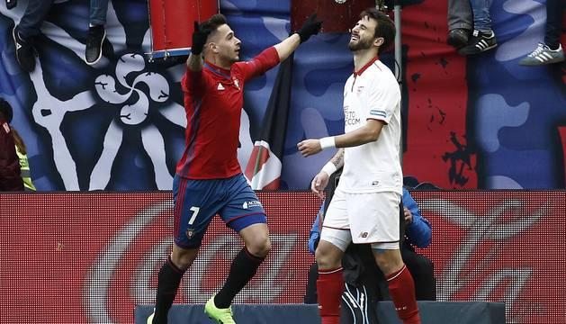 Imágenes del encuentro entre Osasuna y Sevilla disputado en El Sadar