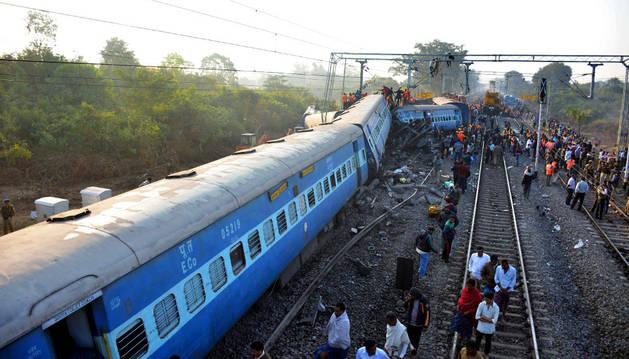 Un tren ha descarrilado cerca de la estación de Kuneri, en India.