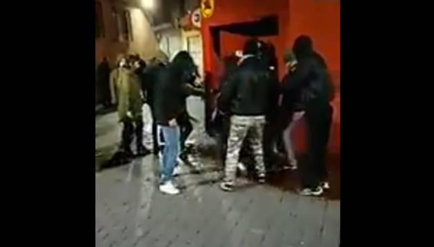 Agresión a una joven a las puertas de un pub en Murcia.