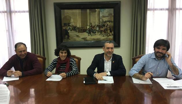 Firma del convenio con el ayuntamiento de Tudela.