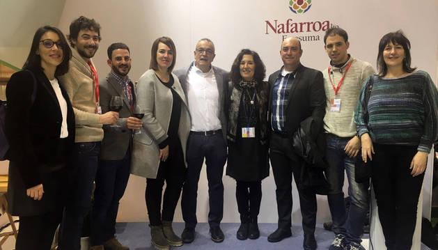 Representantes de los municipios de la Zona Media y de las entidades de la comarca presentes en Fitur.