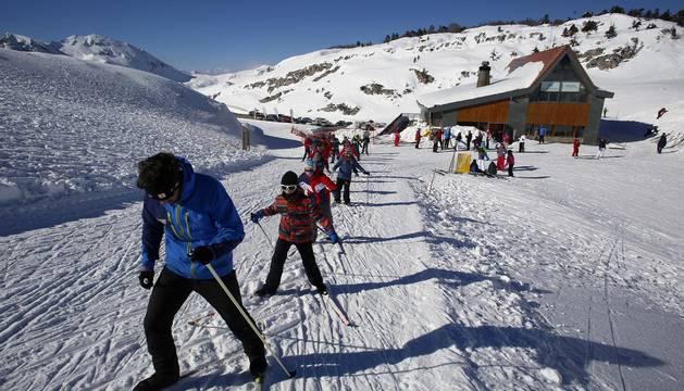 Estaciones de esquí de Navarra: Abodi (Salazar) y Roncalia (Belagua, Roncal)