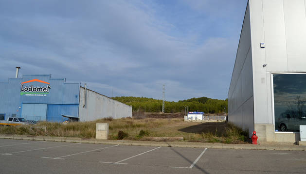 Imagen del solar municipal en el que se edificará la nueva sede de Montejurra.