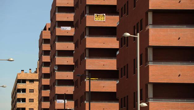 La plusvalía municipal grava la compraventa de viviendas o locales por su teórica revalorización.