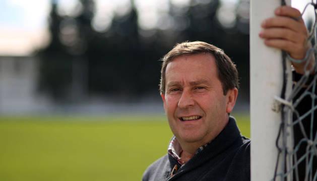 El presidente de la Federación Navarra de Fútbol, Rafa del Amo, en el San Francisco de Tafalla, estadio de la Peña Sport.