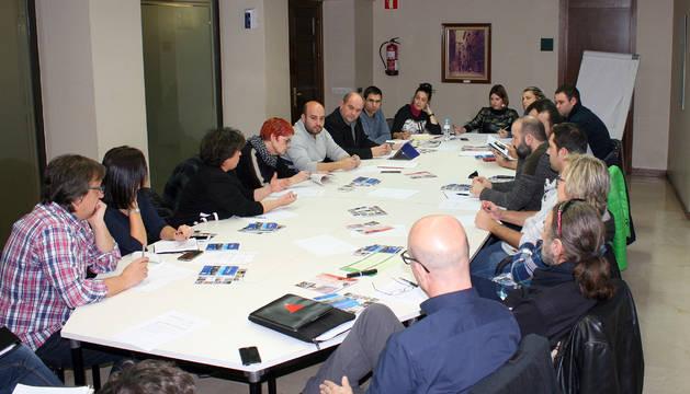Asistentes a la reunión de la Mesa de Turismo que se celebró en el ayuntamiento.