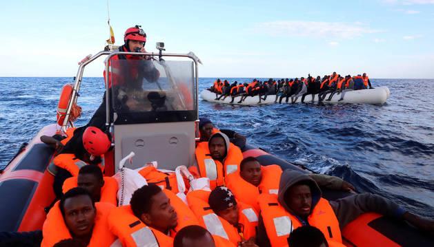 Rescate de inmigrantes subsaharianos este viernes.