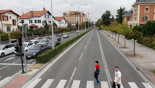 Foto de un paso de cebra de la avenida Baja Navarra.