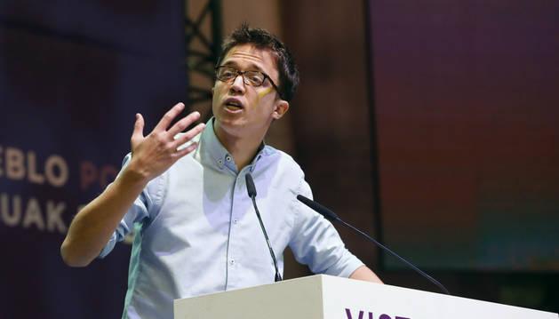 Imagen del secretario político de Podemos, Íñigo Errejón, durante su intervención al inicio de la primera jornada de la Asamblea Ciudadana Estatal de Vistalegre II que definirá el futuro de la formación morada.