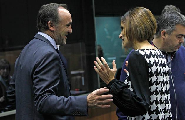 Javier Esparza y María Chivite.