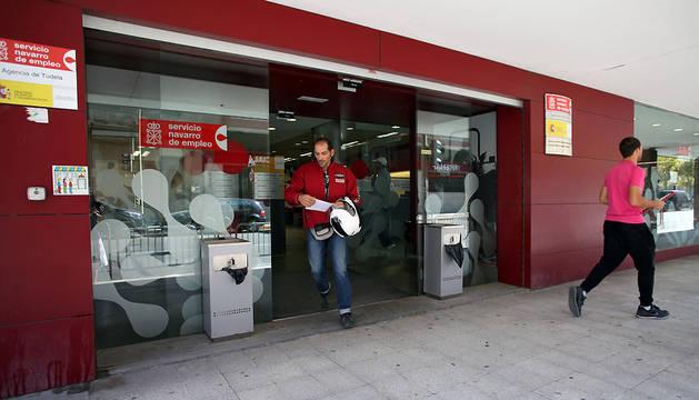 Exterior de las oficinas del SNE en Tudela.