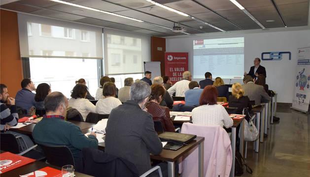 foto de la jornada 'Nuevos mercados digitales, eCommerce internacional y herramientas de competitividad' celebrada en la CEN