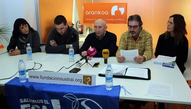 Imagen de Ana Muñoz, Javier Dallo, Felipe Ajona, Martín Zelaia e Idoia Zulet, en la rueda de prensa.