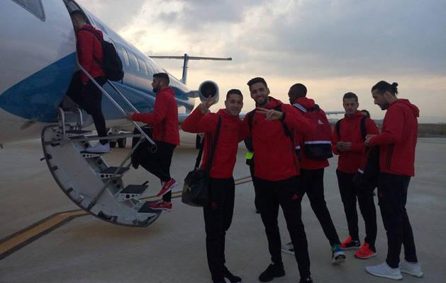 Sergio León y Kenan Kodro, este sábado por la tarde en Noáin antes de subirse al avión.