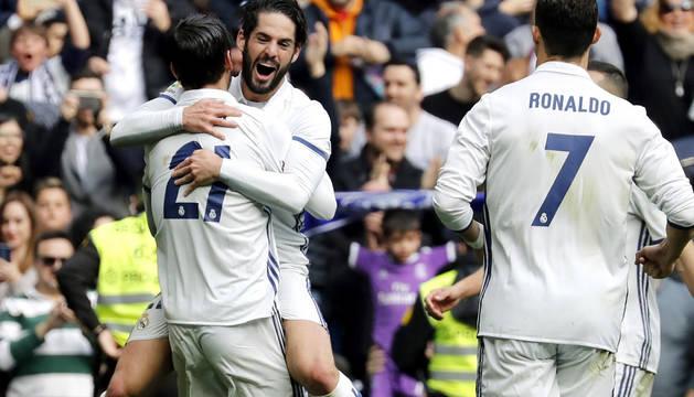 Isco y Morata celebran el primer gol del Real Madrid.