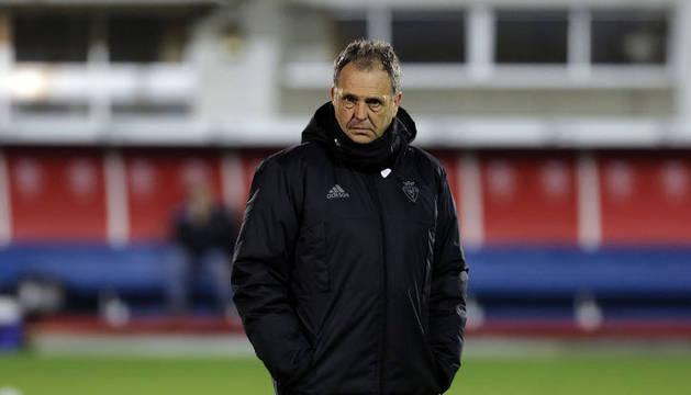 Joaquín Caparrós durante su breve etapa como técnico de Osasuna