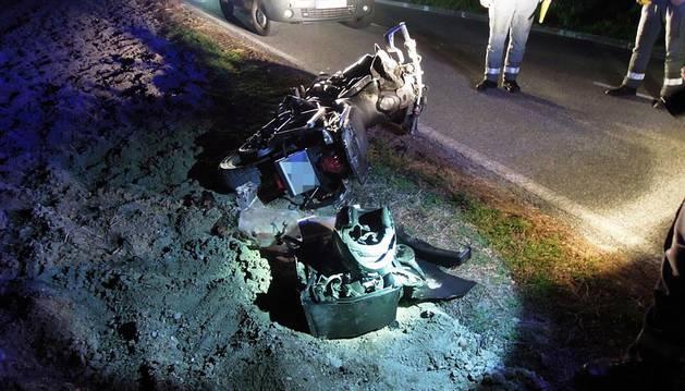 Fallece un motorista tras sufrir un accidente en la NA-4210, a la altura de Unzu