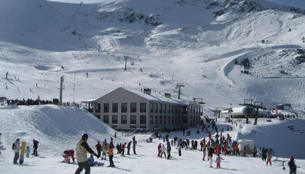 Imagen la estación de esquí de Valdezcaray, donde se ha producido el accidente.