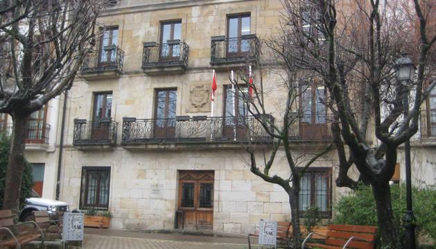 El Ayuntamiento espera recabar ayuda para instalar un ascensor en la Casa Consistorial.