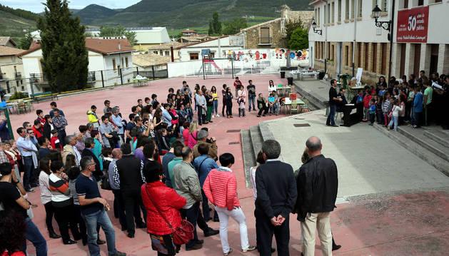 Fiesta por el 50 aniversario del colegio de Aibar en 2015.